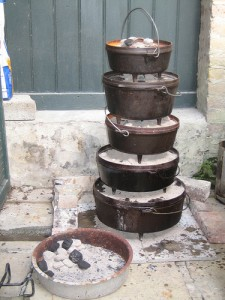 Stacking Dutch Ovens