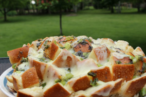 Bloomin' Onion Dutch Oven Bread